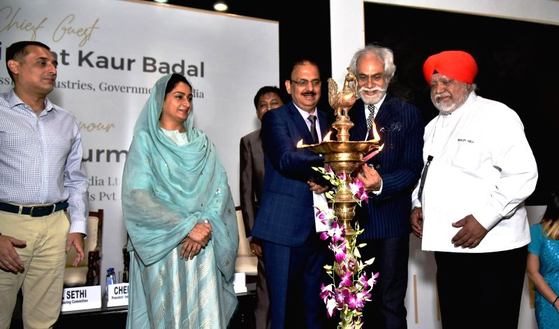 Union Food Processing Minister Harsimrat Kaur Badal, Dabur India Ltd Vice Chairman Amit Burman, India Exposition Mart Limited Chairman Sunil Sethi, EPCH Chairman, IEML and Executive ... - Harsimrat Kaur Badal and Rakesh Kumar