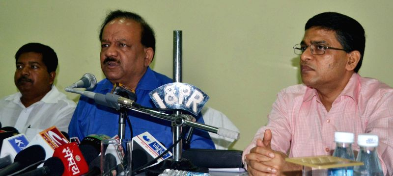 Union Health Minister Harsh Vardhan addresses a press conference in Bhubaneswar on July 20, 2014. (Photo : IANS)