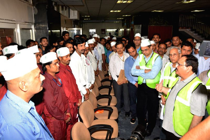 """Union Health Minister JP Nadda reviews implementation of """"Clean AIIMS, Green AIIMS"""" initiative  at AIIMS New Delhi on May 30, 2016. - J"""