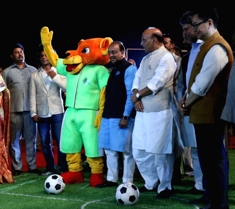 "Union Home Minister Rajnath Singh kick off ""OORJA"" by CAPF U-19 Football talent hunt tournament 2017 for boys and girls at the backdrop of India Gate in New Delhi on April 22, ... - Rajnath Singh and Kapil Dev"