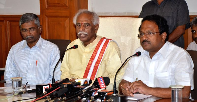 Union Labour Minister Bandaru Dattatreya addresses a press conference in Hyderabad, on May 8, 2016. - Bandaru Dattatreya