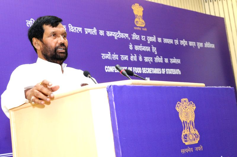 Union Minister for Consumer Affairs, Food and Public Distribution, Ram Vilas Paswan addresses at the conference of State Food Secretaries to discuss end to end computerisation of PDS and ...