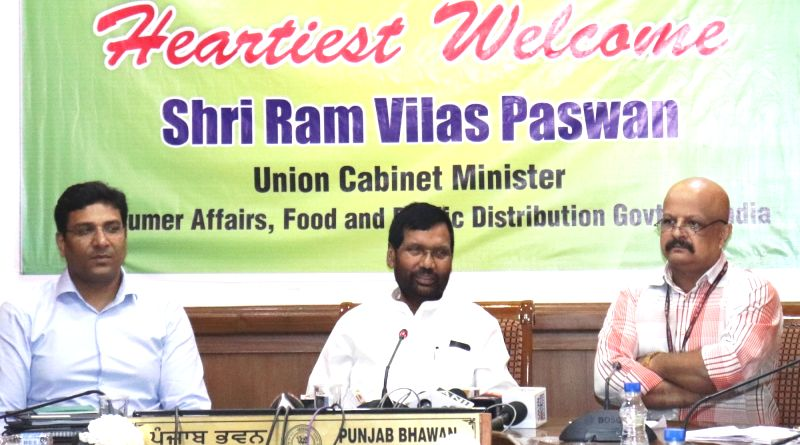 Union Minister for Consumer Affairs, Food and Public Distribution Ram Vilas Paswan addresses a press conference, in Chandigarh on Aug 4, 2018.