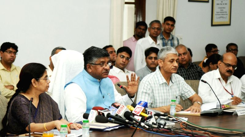 Union Minister for Electronics & Information Technology and Law & Justice Ravi Shankar Prasad addresses at the launch of the application to facilitate enrolment for both pro-bono ...
