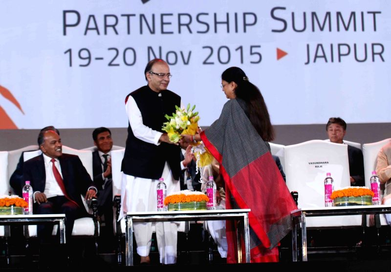 Union Minister for Finance, Corporate Affairs, and Information and Broadcasting Arun Jaitley being welcomed by Rajasthan Chief Minister Vasundhara Raje at Resurgent Rajasthan Partnership ... - Vasundhara Raje and Arun Jaitley
