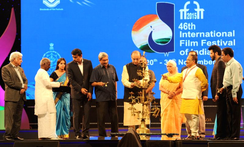 Union Minister for Finance, Corporate Affairs and Information and Broadcasting, Arun Jaitley lights the lamp at the inauguration of the 46th International Film Festival of India (IFFI-2015), ... - Anil Kapoor, Arun Jaitley, Mridula Sinha, Rajyavardhan Singh Rathore and Sunil Arora