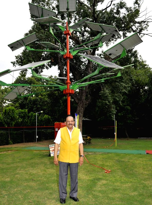 Union Minister for Science and Technology and Earth Sciences, Dr. Harsh Vardhan during the launch of the Solar Power Tree designed and developed by the CSIR-Central Mechanical Engineering ...