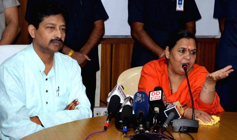 Union Minister for Water Resources, River Development and Ganga Rejuvenation Uma Bharti addresses a press conference in Kolkata, on Nov 1, 2015.