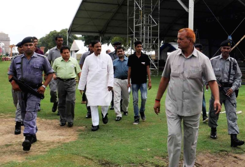 Union Minister of State for Culture and Tourism (Independent Charge), Dr. Mahesh Sharma inspects the arrangements for 'Bharat Parv', at India Gate Lawns, in New Delhi on Aug 10, 2016. - Mahesh Sharma