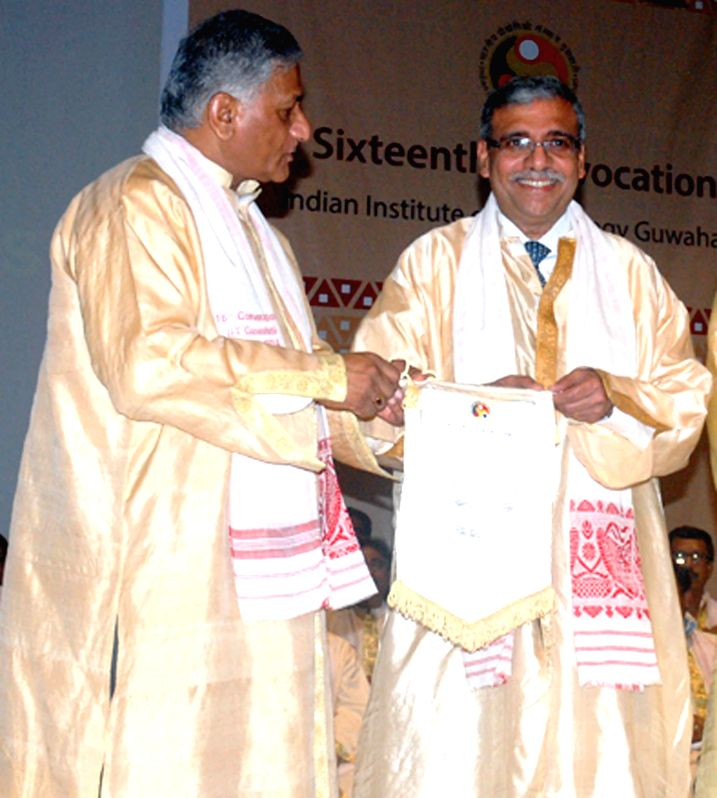 Union Minister of State (Independent charge) for Development of Northeast Region (DoNER) V.K. Singh presents Honorary Doctorate degree to Prof. Dipak C Jain during the 16th Convocation of Indian ... - K. Singh and Dipak C Jain