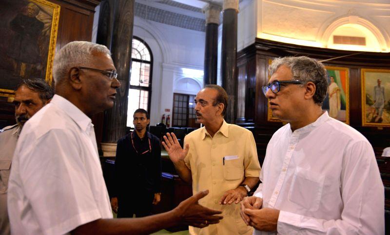 Union Minister Prakash Javadekar, Trinamool Congress MP Derek O' Brien and er of Opposition in Rajya Sabha Ghulam Nabi Azad during a programme organised to pay tribute to Bal Gangadhar ... - Prakash Javadekar