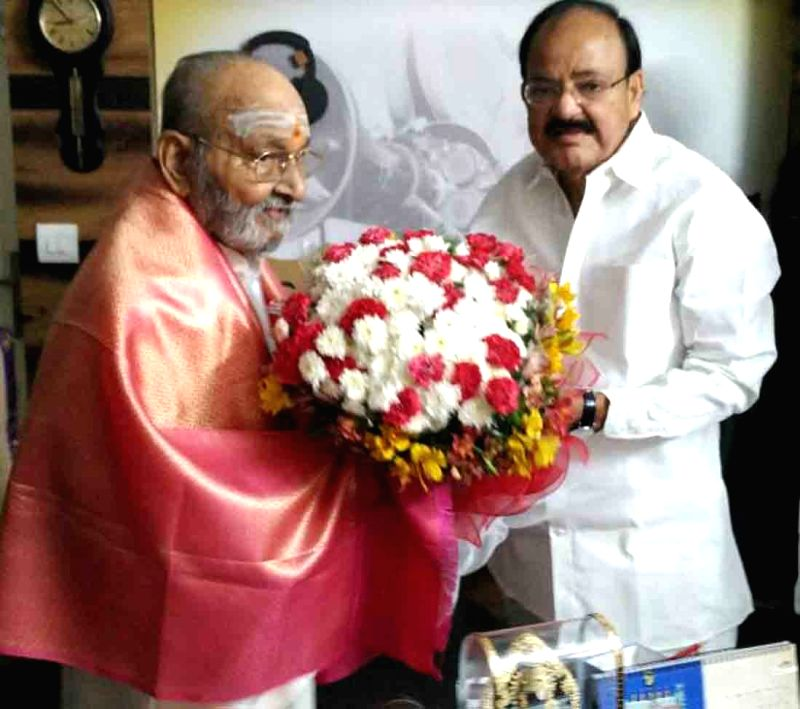 Union Minister Urban Development Minister M. Venkaiah Naidu calls on Dadasaheb Phalke Award winner K. Viswanth, in Hyderabad on April 30, 2017. - Urban Development Minister M. Venkaiah Naidu