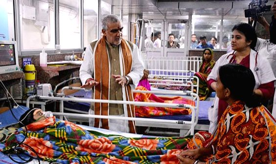 Union MoS Health and Family Welfare Ashwini Kumar Choubey going through the wards of Kolkata Medical College in Kolkata on June 9, 2018.