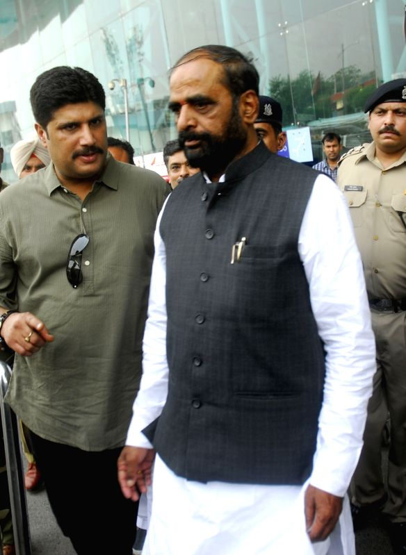 Union MoS Home Affairs Hansraj Gangaram Ahir arrives at Amritsar Airport on May 25, 2017.