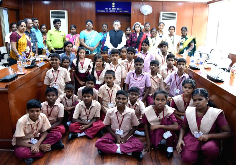 Union MoS Labour and Employment Santosh Kumar Gangwar with the child labour rescued children from Special Training Centre of Tirunelveli District (Tamil Nadu), in New Delhi, on Aug 9, 2018. - Santosh Kumar Gangwar