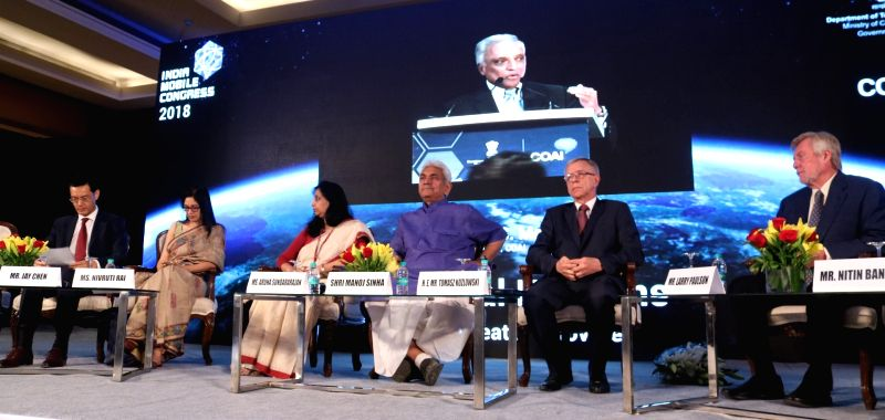 Union MoS Telecom Manoj Sinha with Qualcomm India President Larry Paulson EU Ambassador to India Tomasz Kozlowski, Huawei India CEO Jay Chen and Intel India Country Head Nivruti Rai during ... - Manoj Sinha and Head Nivruti Rai