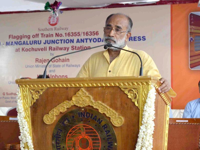 Union MoS Tourism Alphons Kannanthanam addresses after flagging off the Kochuveli – Mangaluru Junction Antyodaya Express at Kochuveli railway station, in Thiruvananthapuram on ...