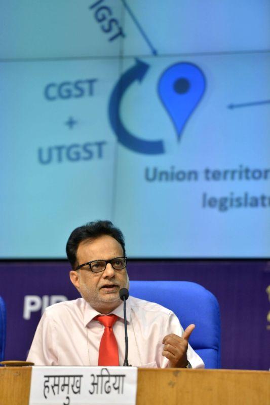 Union Revenue Secretary Hasmukh Adhia addressing GST Conclave in New Delhi on April 25, 2017.