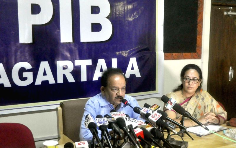 Union Science & Technology Minister Dr. Harsh Vardhan addresses a press conference in Agartala on June 02, 2017. - D
