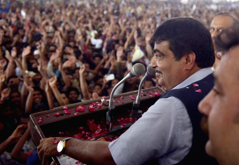 Union Transport Minister Nitin Gadkari addressing a rally of battery operated rickshaw owners at Ramlila Ground in Delhi on June 17, 2014.