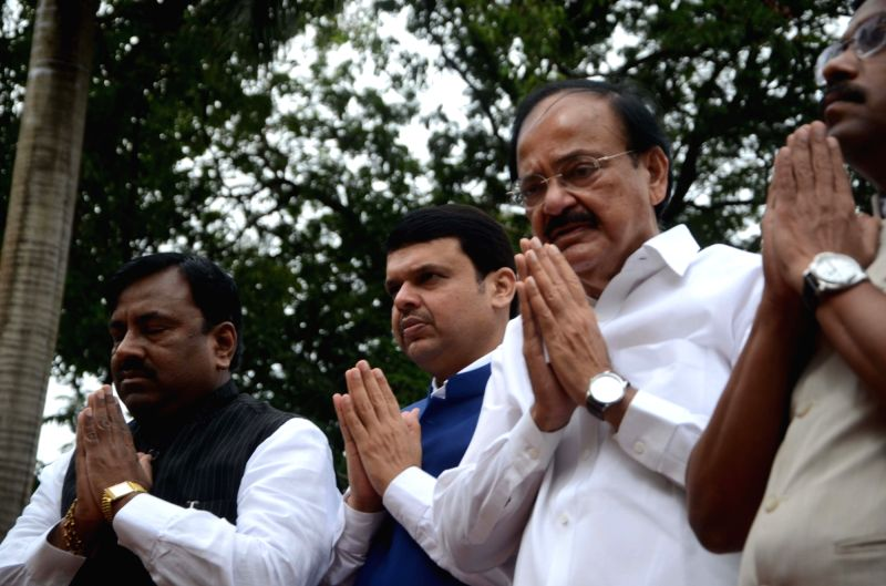 Union Urban Development Minister M Venkaiah Naidu and Maharashtra Chief Minister Devendra Fadnavis pay tribute on the occassion of Quit India Movement anniversary at August Kranti Maidan in ... - M Venkaiah Naidu