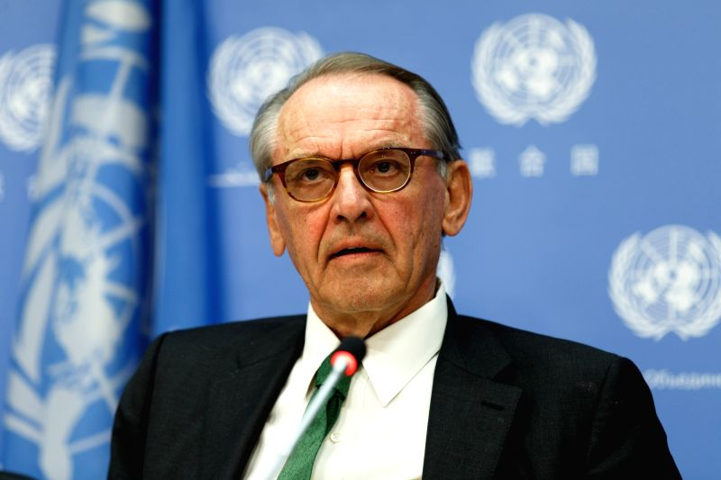 UNITED NATIONS, May 10, 2016 - Jan Eliasson, Deputy Secretary-General of the United Nations, briefs journalists with Karen AbuZayd (not pictured), Special Adviser on the Summit on Addressing Large ...