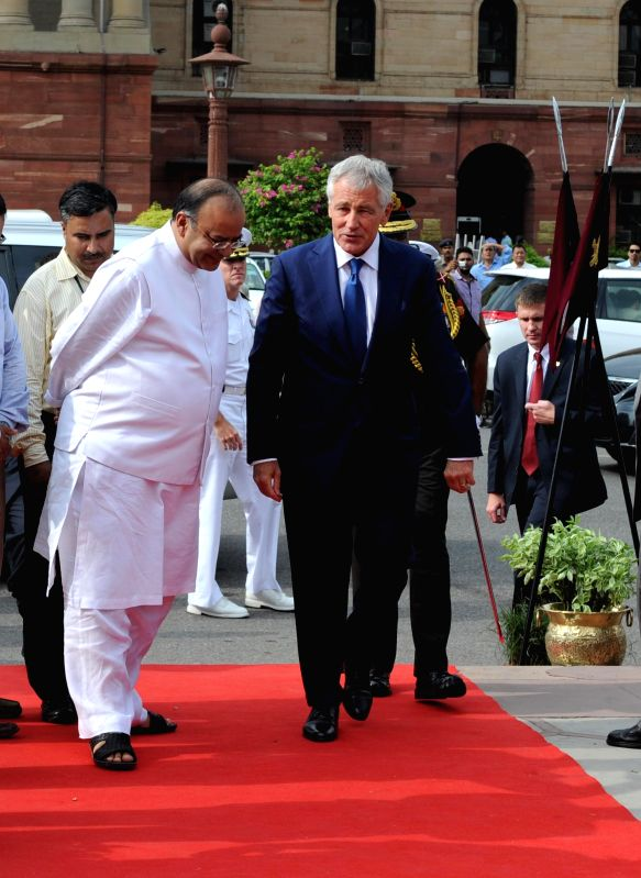 US Defence Secretary Chuck Hagel with Union Minister for Finance, Corporate Affairs and Defence Arun Jaitley in New Delhi on Aug 8, 2014.