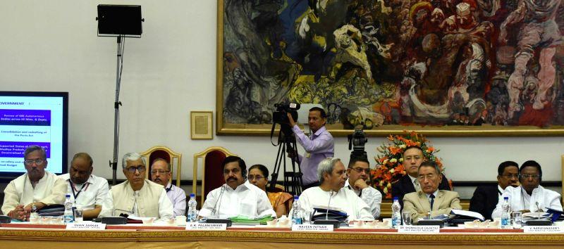 Uttarakhand Chief Minister Trivendra Singh Rawat, Tripura Chief Minister Manik Sarkar, Tamil Nadu Chief Minister Edappadi K. Palaniswami, Odisha Chief Minister Naveen Patnaik, Nagaland ... - Trivendra Singh Rawat and Narendra Modi