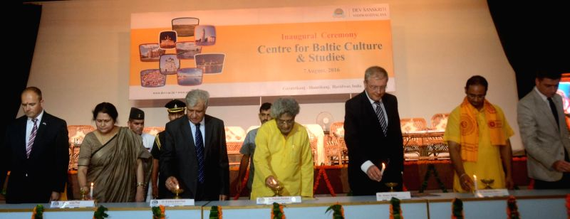 Uttarakhand Governor KK Kaul during inauguration of Centre for Baltic Culture and Studies at Dev Sanskriti Vishwavidyalaya in Haridwar on Aug 7, 2016.