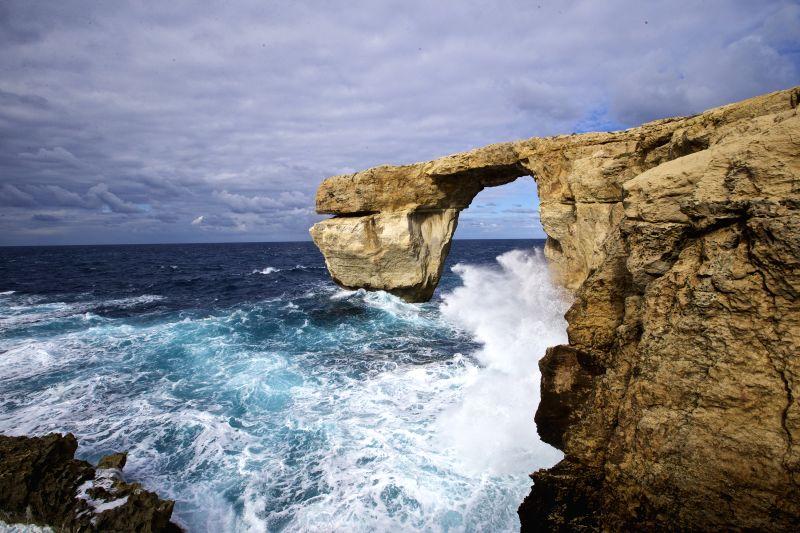 Malta gozo azure window collapse - La finestra azzurra gozo ...
