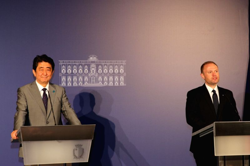 VALLETTA, May 27, 2017 - Japanese Prime Minister Shinzo Abe (L) and Malta's Prime Minister Joseph Muscat attend a joint press conference in Valletta, capital of Malta, on May 27, 2017. An EU-Japan ... - Shinzo Abe