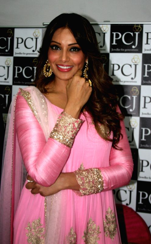 Actress Bipasha Basu during a programme in Varanasi, on Jan 18, 2015.