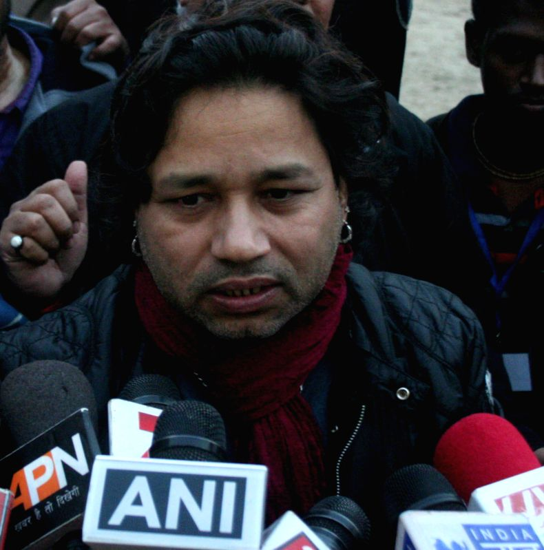 Singer Kailash Kher participates in Clean India Campaign in Varanasi, on Dec 22, 2014.