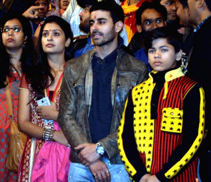 "The star cast of forthcoming TV show ""Mahakumbh - Ek Rahasya, Ek Kahani"" including Gautam Rode, Payal Rajput and child actor Siddharth Nigam during Ganga Aarti at the ... - Siddharth Nigam"