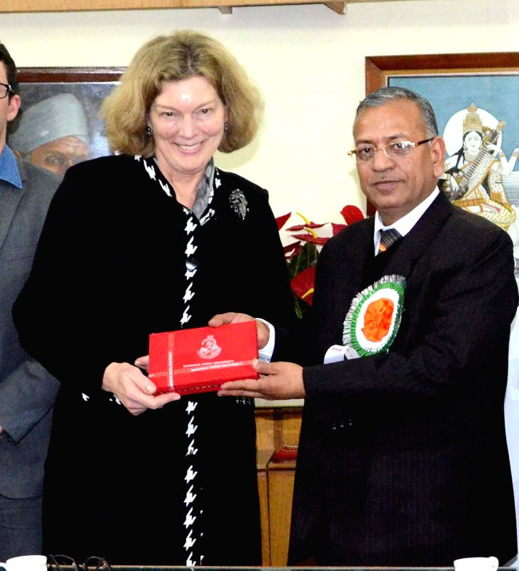 US Charge d'Affairs in India Kathleen Stephens with Vice-chancellor of Banaras Hindu University (BHU) Girish Chandra Tripathi during her three-day long visit to Varanasi, on Dec 26, 2014. - Girish Chandra Tripathi