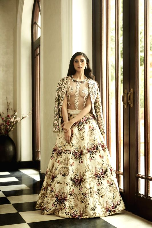 Varun Bahl Couture2016