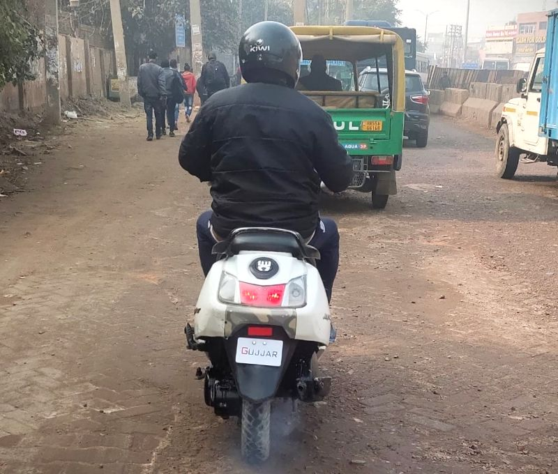 Vehicles displaying caste identities will face traffic police action.