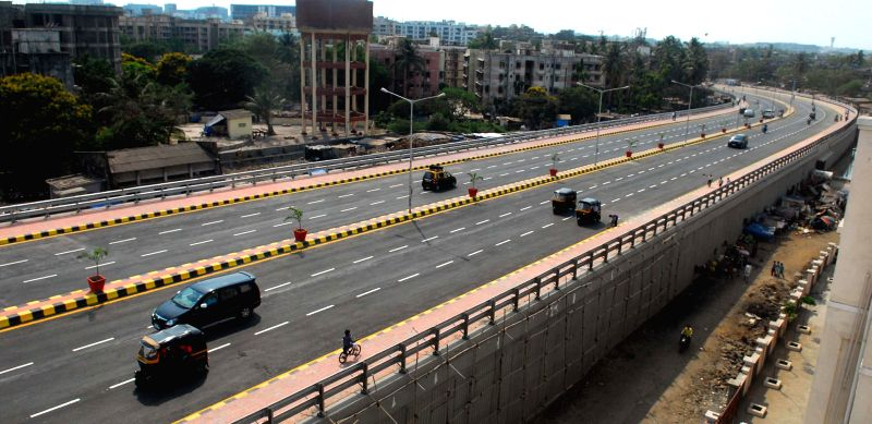 Vehicles ply on the 3.45km long Santa Cruz-Chembur Link Road (SCLR) which was thrown open for public in Mumbai on April 18, 2014. The SCLR comprises 1.8km long double-decker flyover above the Central