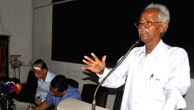 Veteran CPI (M) leader Hemen Das addressing a citizen meet at Guwahati Press Club on May 3, 2014, regarding the brutal killing of the innocent people in the BTAD area of Assam.