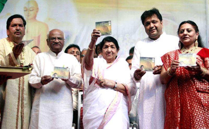 Veteran singer Lata Mangeshkar during Independence Day celebrations in Mumbai on Aug 15, 2014.