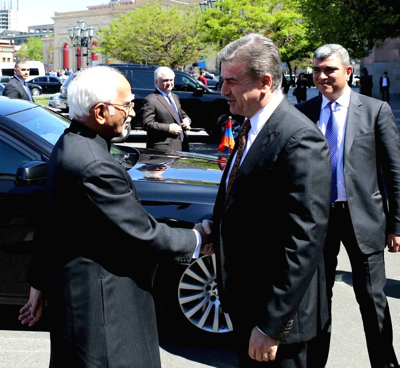 Vice President M Hamid Ansari being received by Armenian Prime Minister Karen Karapetyan at the Government House in Yerevan, Armenia on April 25, 2017. - Karen Karapetyan