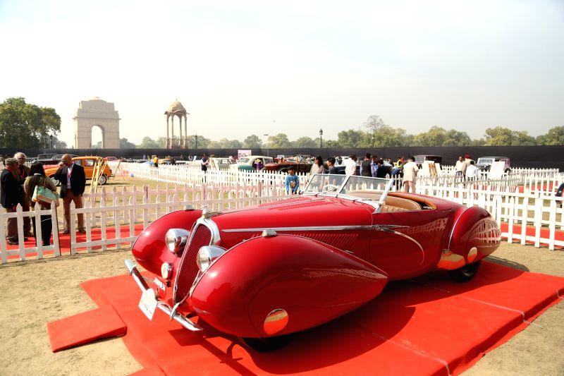 International vintage car rally kicks off ()