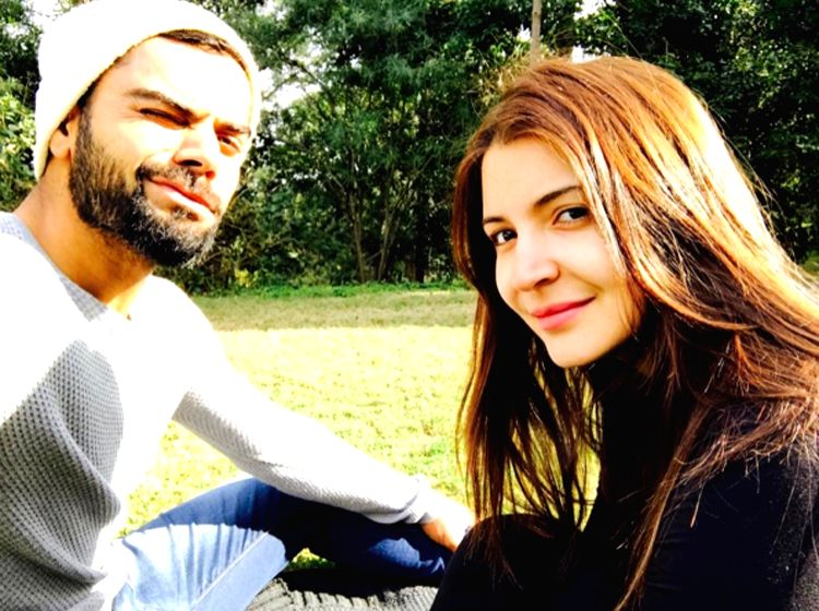 We can't stop gushing over Anushka Sharma and Virat Kohli's candid pic