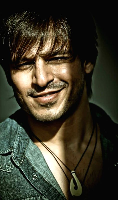 Vivek Oberoi collaborates with Gujarat Govt on initiative for the specially abled.
