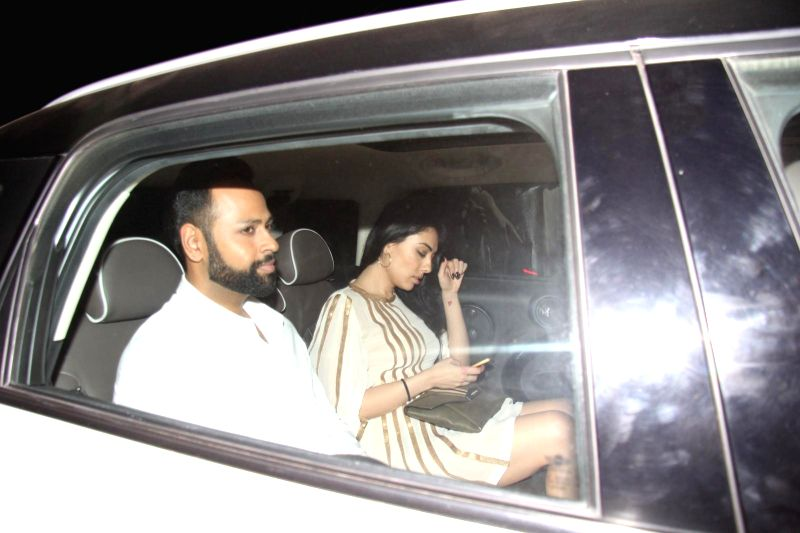 VJ Andy arrives at Salman Khan's birthday party in Panvel near Mumbai, India on December 26, 2014.