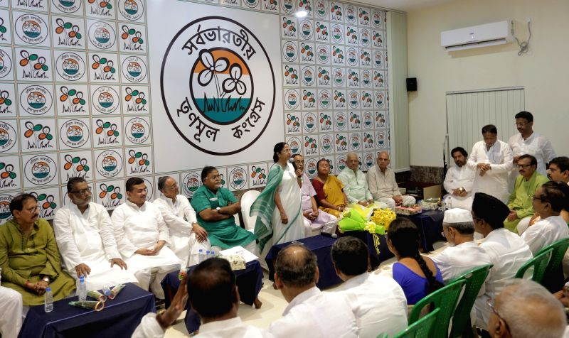 West Bengal Chief Minister and Trinamool Congress supremo Mamata Banerjee meets the newly elected party MLAs in Kolkata, on May 20, 2016. Also seen TMC leaders Firhad Hakim, Amit Mitra and ... - Mamata Banerjee and Partha Chatterjee