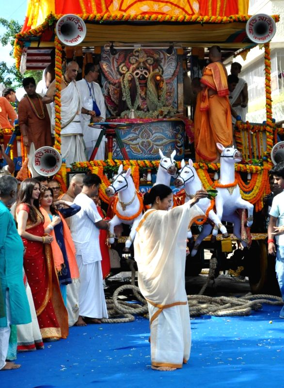 West Bengal Chief Minister Mamata Banerjee and actress Bhagyashree during Jagannath Rath Yatra celebrations at International Society for Krishna Consciousness (ISKCON), in Kolkata on July ... - Mamata Banerjee