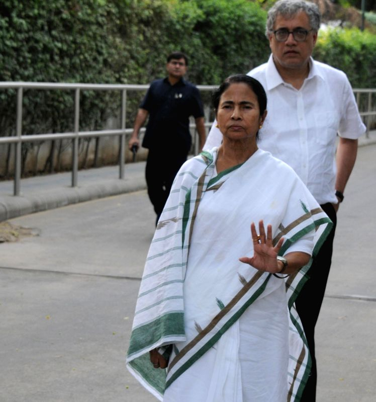 West Bengal Chief Minister Mamata Banerjee comes out after meeting Congress President Sonia Gandhi and Rahul Gandhi at 10 Janpath in New Delhi on May 16, 2017. - Mamata Banerjee, Sonia Gandhi and Rahul Gandhi