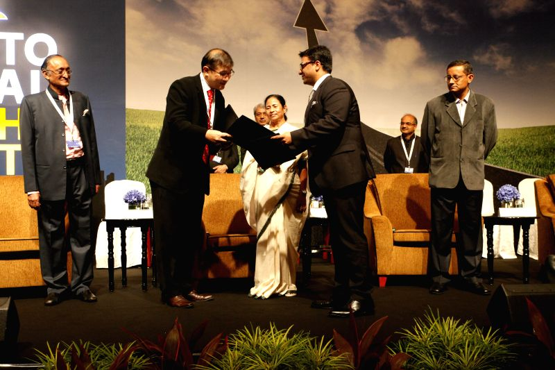 West Bengal Chief Minister Mamata Banerjee during a meeting with businessmen in Singapore on Aug 20, 2014.