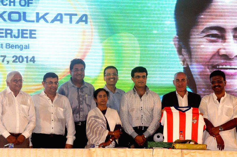 West Bengal Chief Minister Mamata Banerjee with Industrialist Sanjeev Goenka former cricketer Sourav Ganguly, West Bengal Urban Development Minister Firhad Hakim and others during a programme ... - Mamata Banerjee, Sourav Ganguly and Sanjeev Goenka